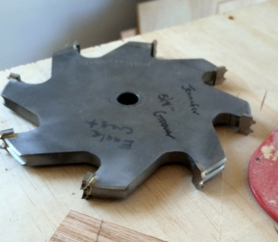 Bead board/grooving blade for table saw