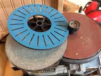 Slotted disk for Lathe tools, second glass wheel.